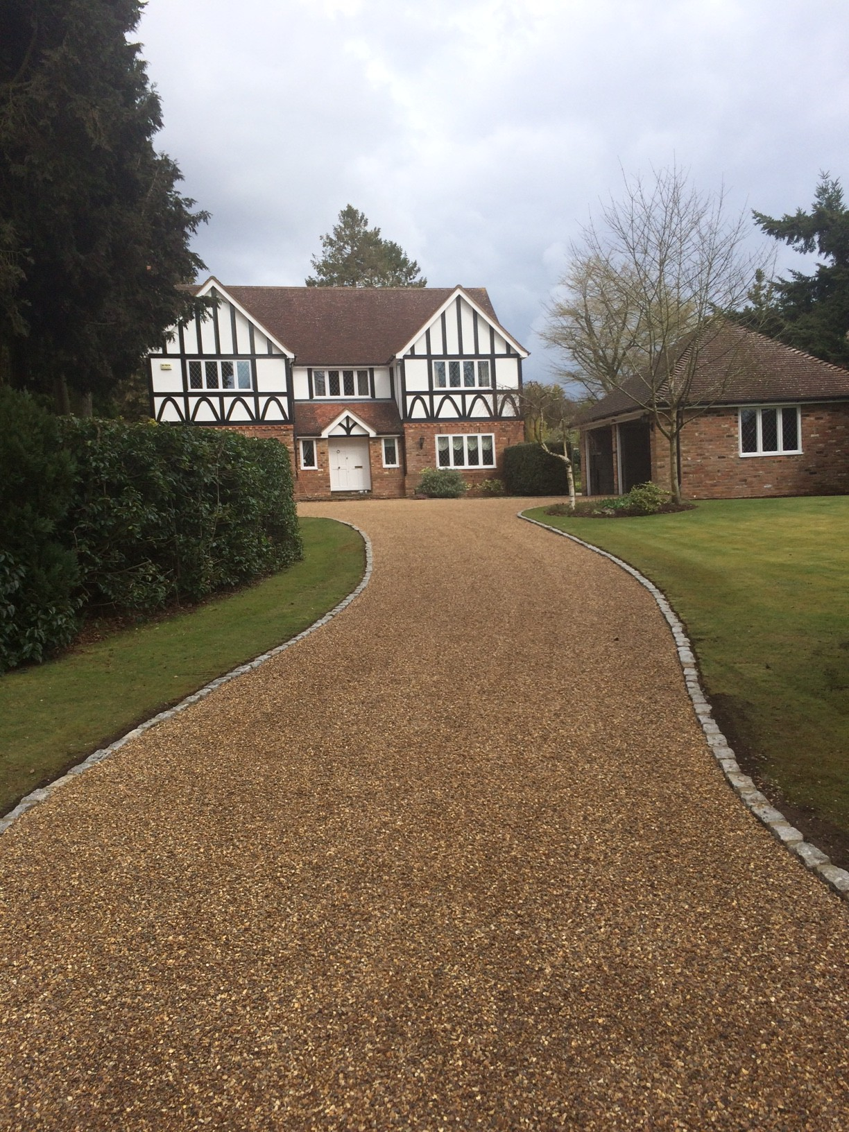 Driveway and Walkway Design and Installation in Roseville, CA |Stone Driveways